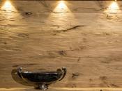 Wandverkleidung aus gehacktem Holz (Beinbauer Holz)
